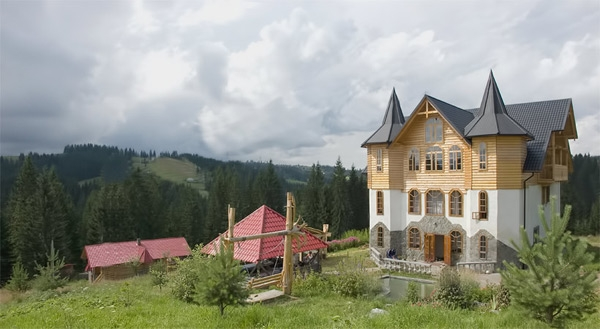 Visit Carpathian Mountains in Ukraine and stay with Villa Maria